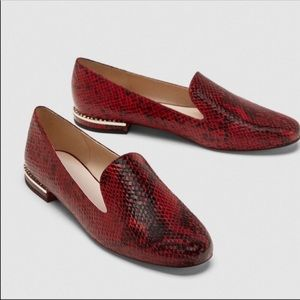 NWT Zara faux snakeskin burgundy flat loafer